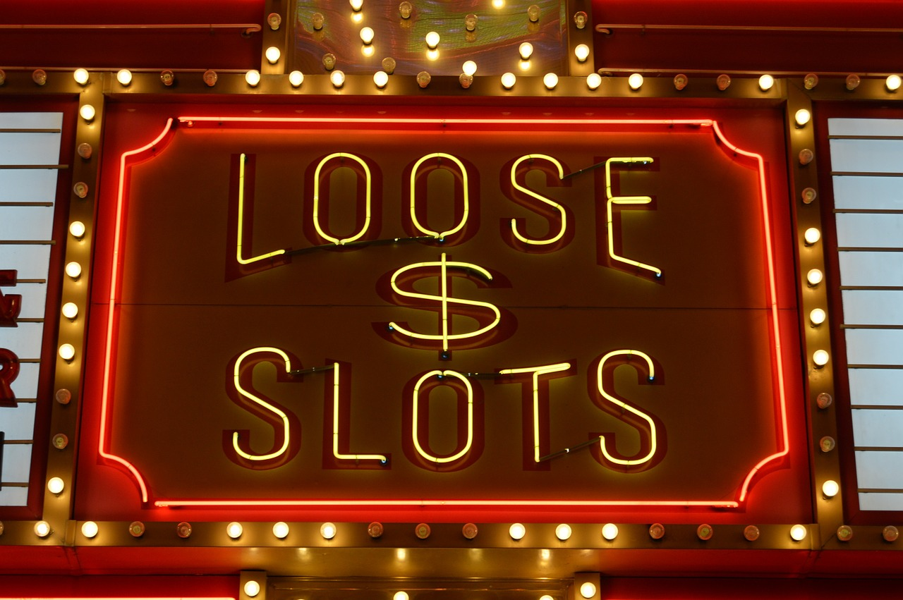 Strategy of the Slot Machines